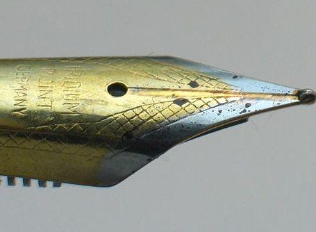 Fountain pen nib | Courtesy of WikiMedia Commons