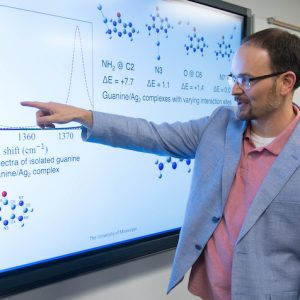 Greg Tschumper Wins Top Research Award